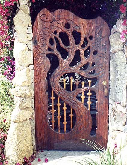 Beautiful garden gate ideas to reflect style gates